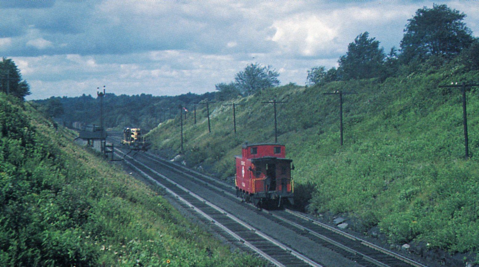 Erie GP7 pushers and C100 at Ararat