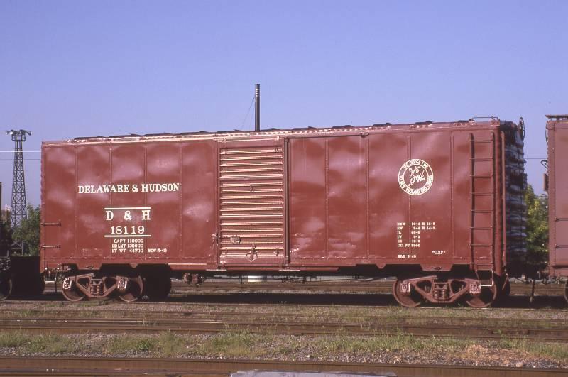 18119 at Steamtown bright sun